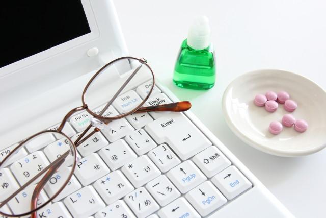 パソコンなどの光刺激も眼精疲労の原因